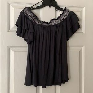 American Eagle Outfitters Tops - American Eagle off the shoulder Soft & Sexy Top